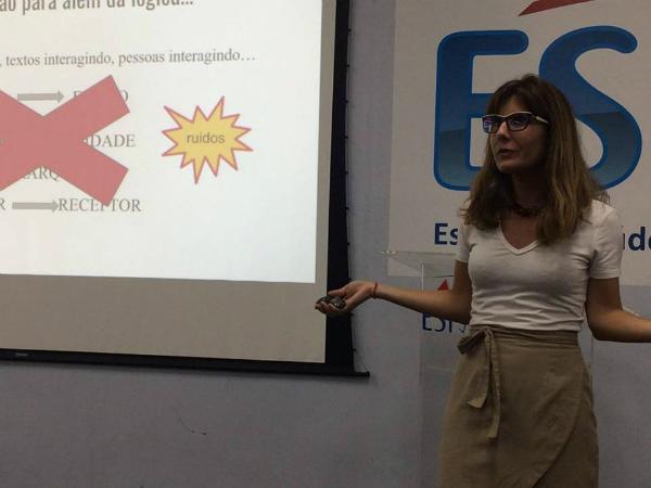 A pesquisadora Paula Chagas Bortolon, da Fiocruz, no Rio de Janeiro.